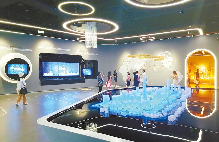 展示中心内极具现代感的展示区域